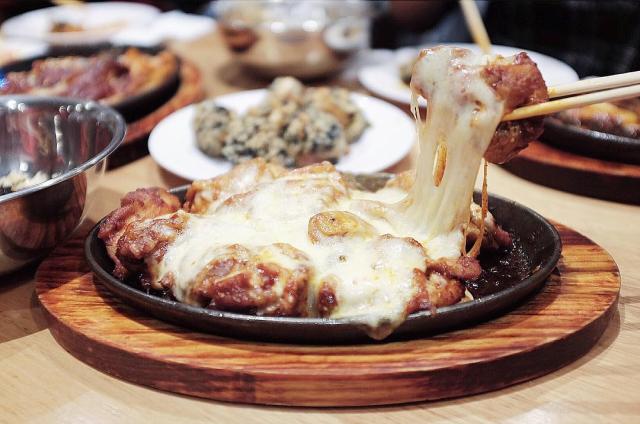 11 Best Korean Fried Chicken In Sydney Worth Dirtying Your Hands For ...