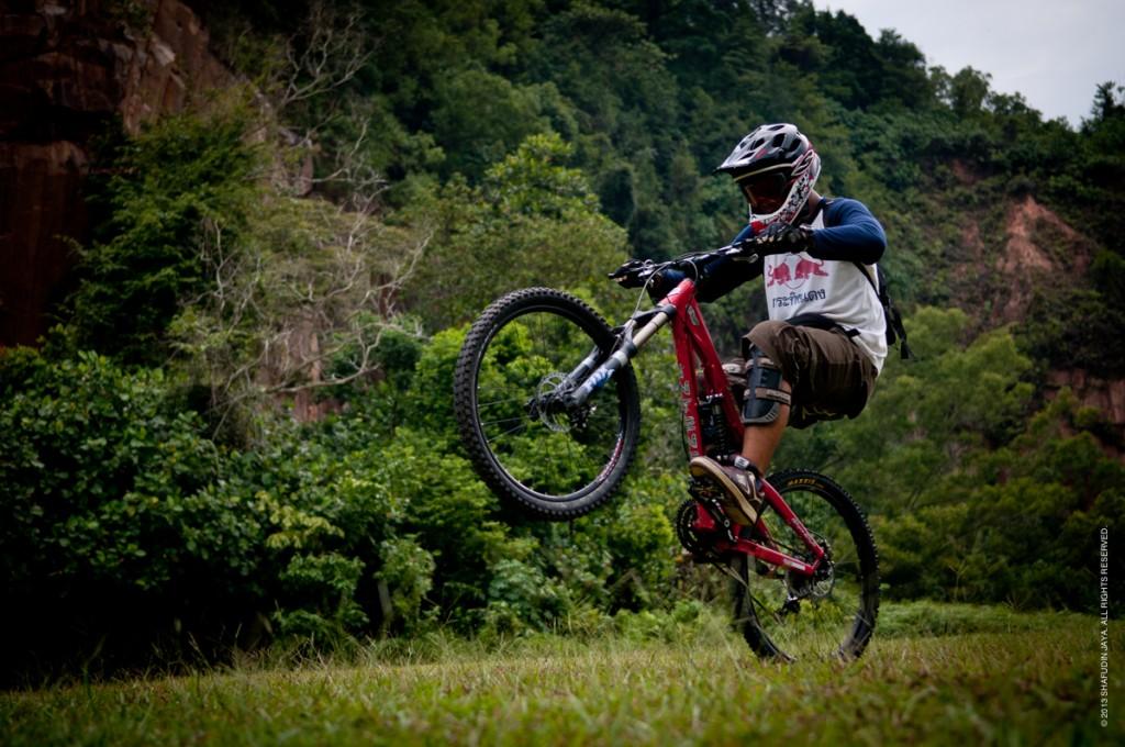 mountain bike wallpaper iphone