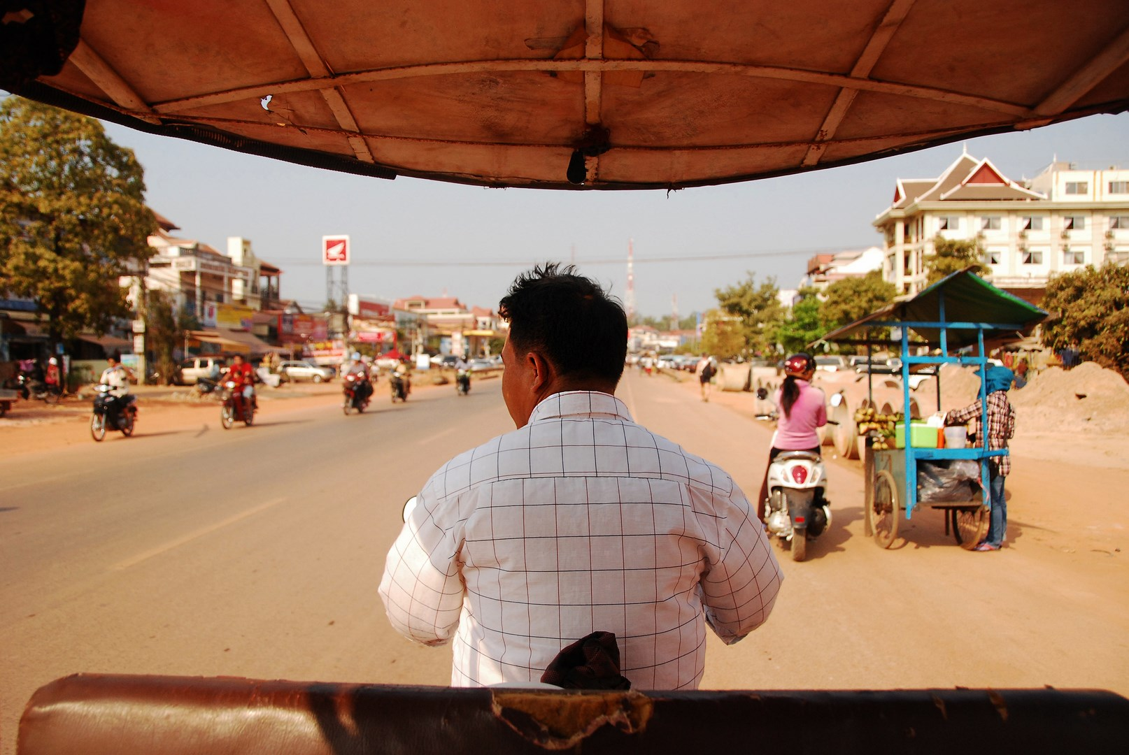 holly_siemreap_tuktukdriverprofile-Copy.jpg
